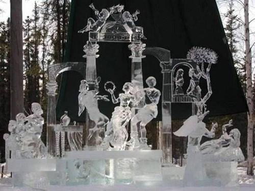 Nghệ thuật điêu khắc tuyệt đẹp trên băng - ảnh 2